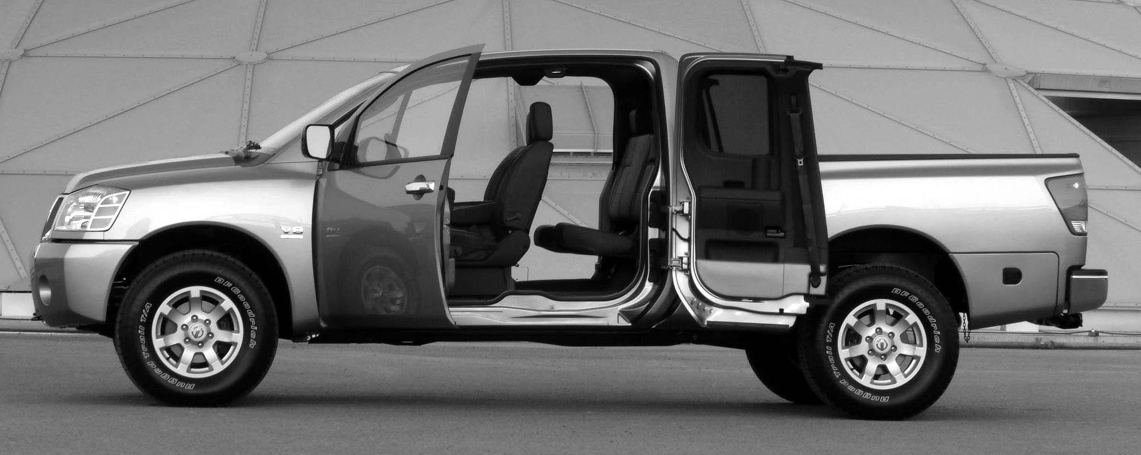 2005 Nissan Titan 4x4 SE King Cab